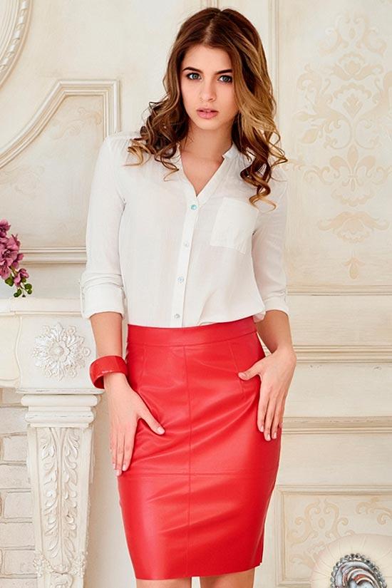 кожаная юбка красная