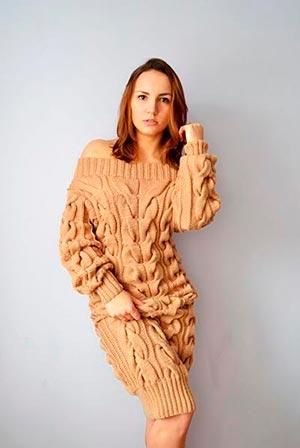 бежевое вязаное платье фото