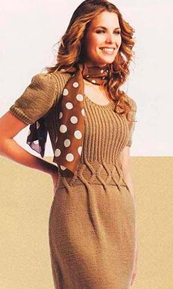 вязаное платье бежевое