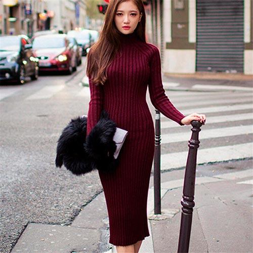 вязаное платье цвета вишни