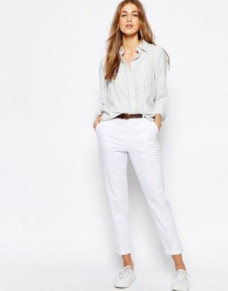 Белоснежные укороченные брюки фото