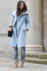 Светлое пальто оверсайз фото