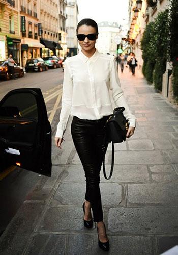 Кожаные брюки под белую блузу фото