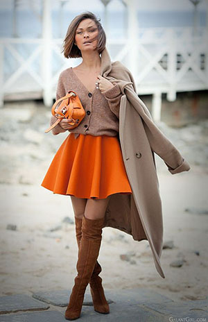Яркий образ с пальто оверсайз фото