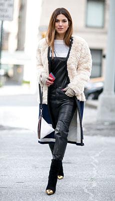 Чёрный кожаный комбинезон фото