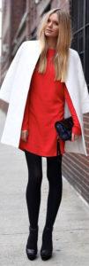 Пальто оверсайз под красное платье фото
