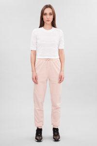 Розовые классические спортивные штаны - фото