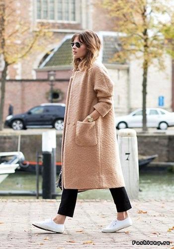 Пальто оверсайз под обувь без каблука фото