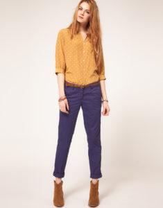 Синие укороченные брюки с отворотами фото