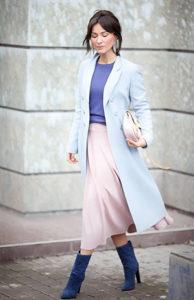 Пальто оверсайз нежного голубого цвета фото