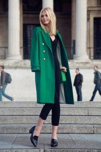Пальто оверсайз яркого зелёного цвета фото