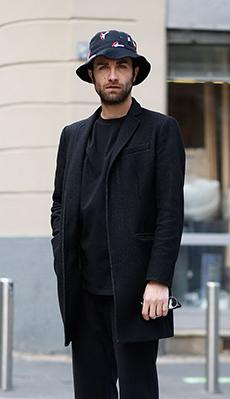 Чёрное пальто для мужчин фото
