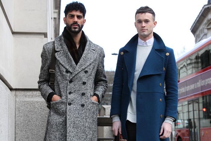 Серое мужское пальто фото