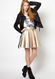 Короткая золотистая юбка фото