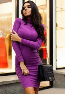 Короткое яркое платье-лапша фото