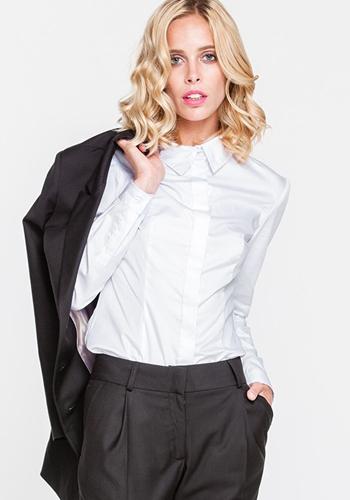 Белая рубашка под брючный костюм фото