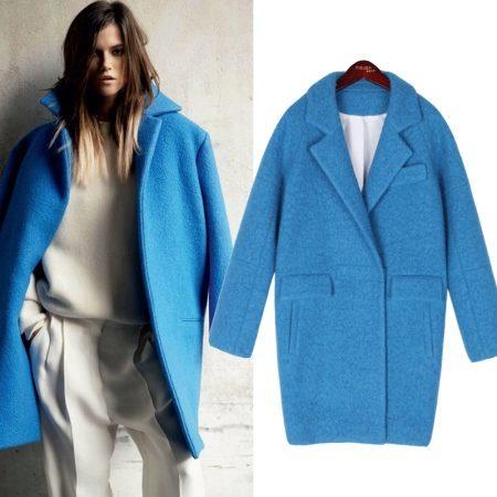Голубое пальто кокон фото