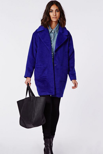 Пальто кокон синего цвета фото