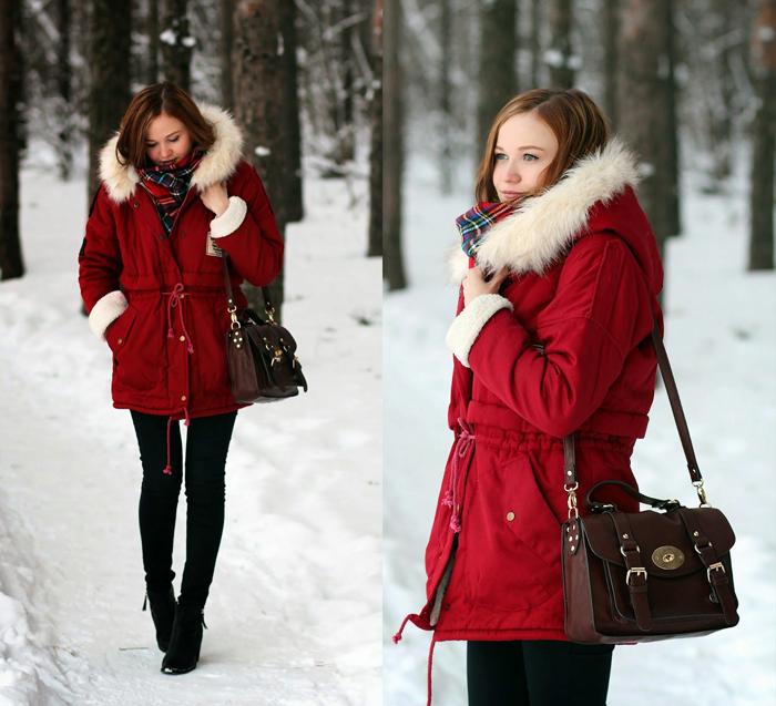 Красная парка зимой фото
