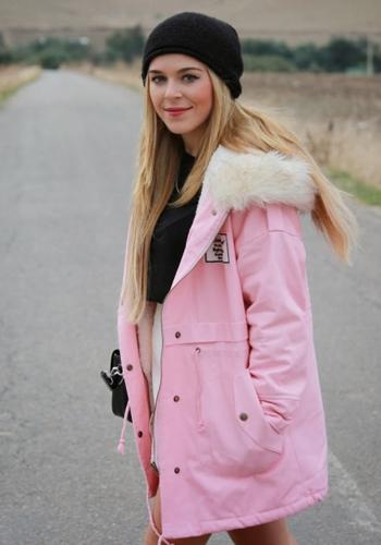 Парка розового цвета фото