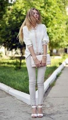 Светло-серые брюки под белую рубашку фото