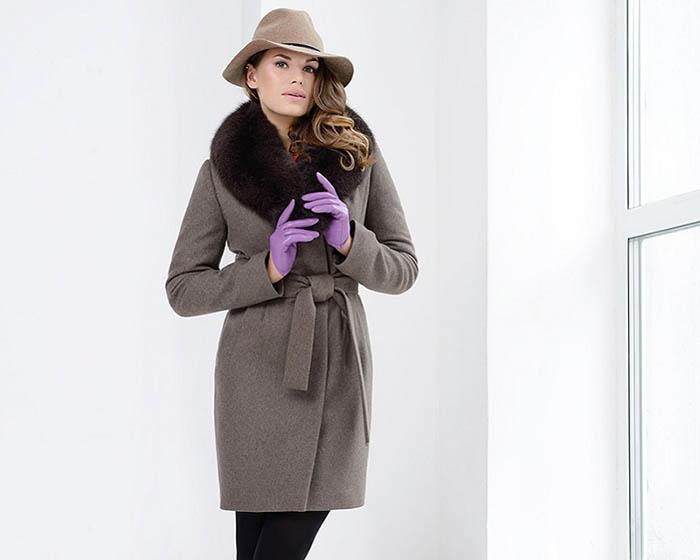 Пальто с меховым воротником фото