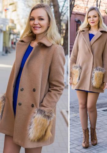 Бежевое пальто зимой фото