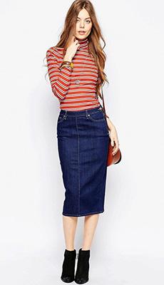 Синяя джинсовая юбка-карандаш фото
