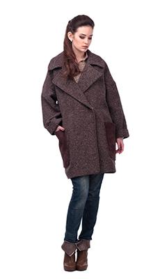 Модное пальто коричневого цвета фото