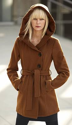 Коричневое пальто с поясом фото