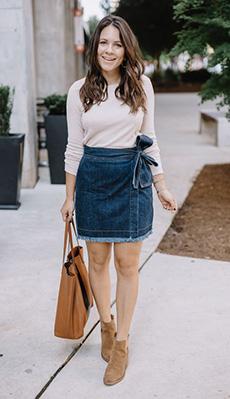 Джинсовая юбка под светлую кофточку фото