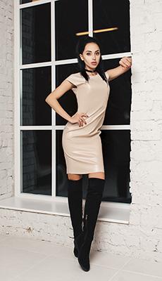 Кожаное платье под сапоги фото