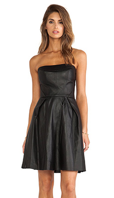 Кожаное платье с высокой талией фото