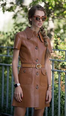 Коричневое кожаное платье фото