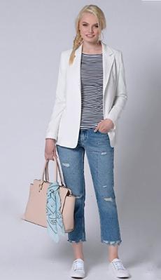 Стильная тельняжка под белый пиджак фото