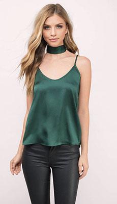 Зелёный топ в бельевом стиле фото