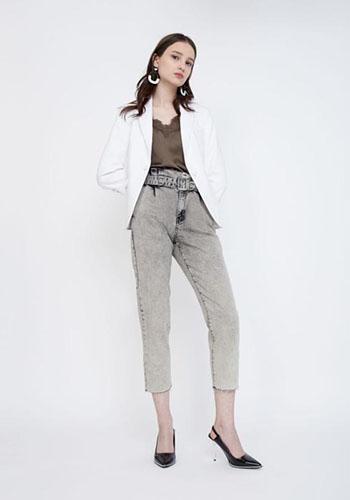 Укороченные джинсы с высокой талией фото