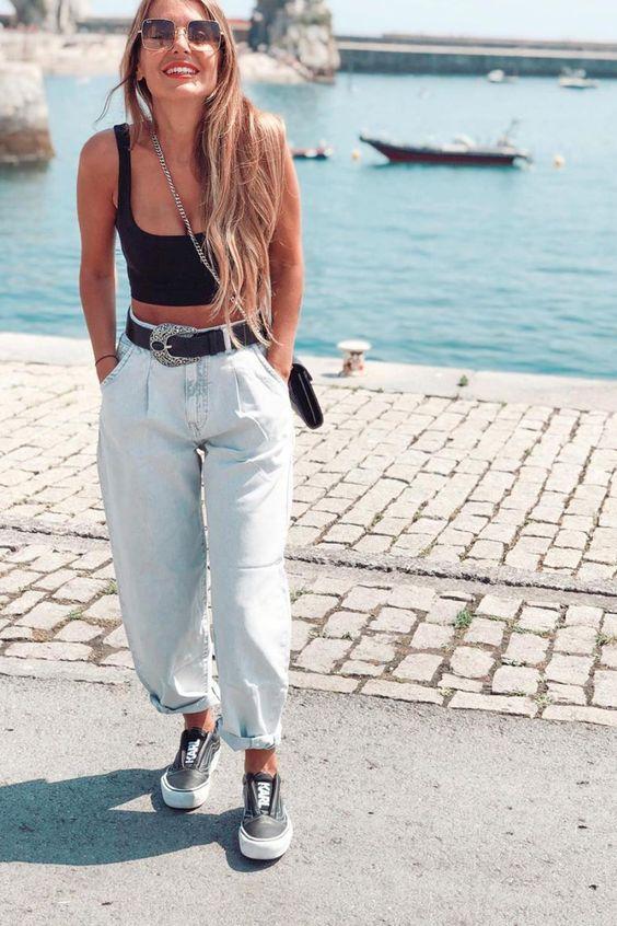 светлые джинсы слоучи