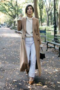 укороченные джинсы с пальто